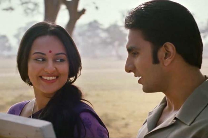 Lootera: Sonakshi Sinha serenades Ranveer Singh in 'Sawaar Loon'