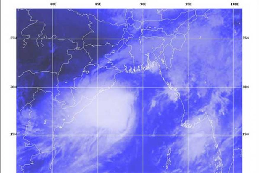 Alert sounded in Assam as Cyclone Mahasen reaches B'desh