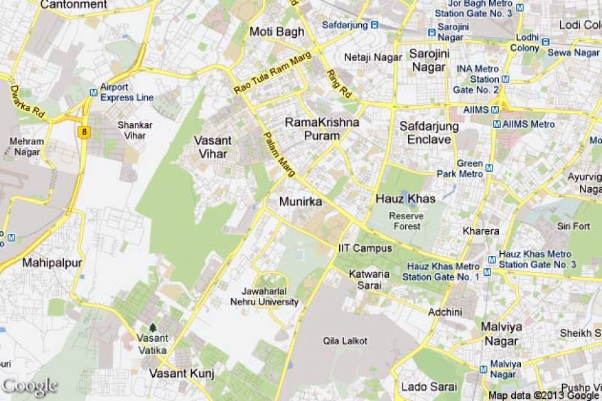 Delhi: Relative shoots class 12 girl in her house