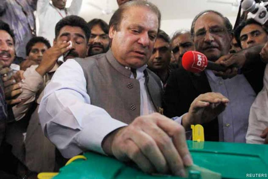 Pakistan polls: Nawaz Sharif, Imran Khan ahead in early vote count