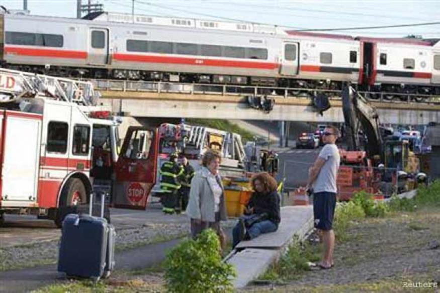 Nearly 50 hurt as two trains collide in Connecticut