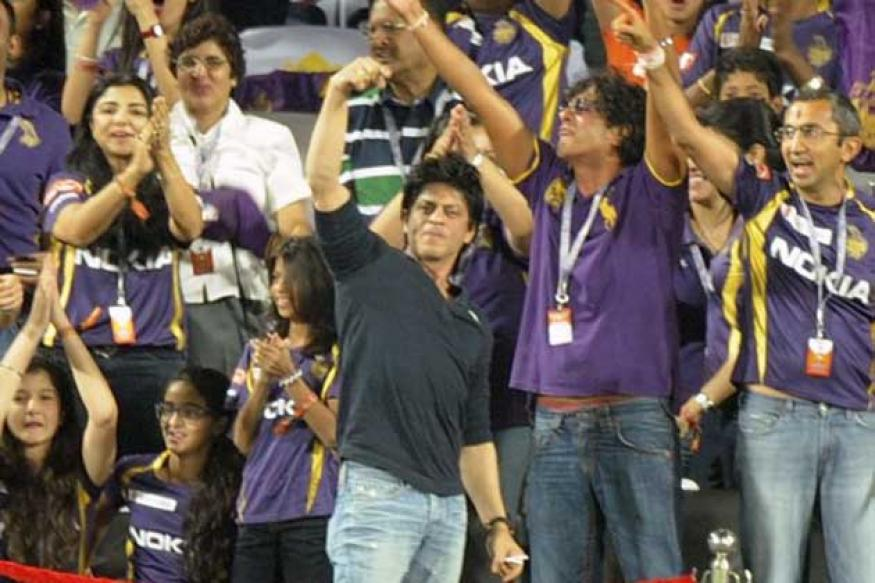 Let Shah Rukh Khan enter Wankhede: Raj Thackeray