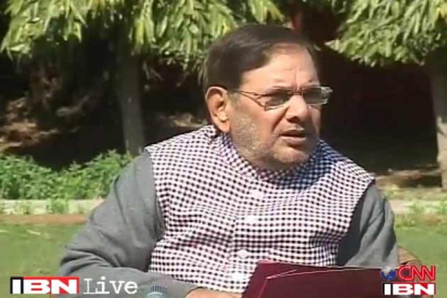 Railway bribery: JD(U) chief Sharad Yadav backs Bansal