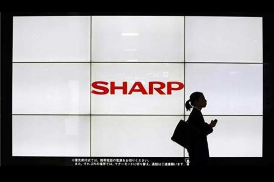 Apple supplier Sharp to boost Samsung business in bid to stay viable