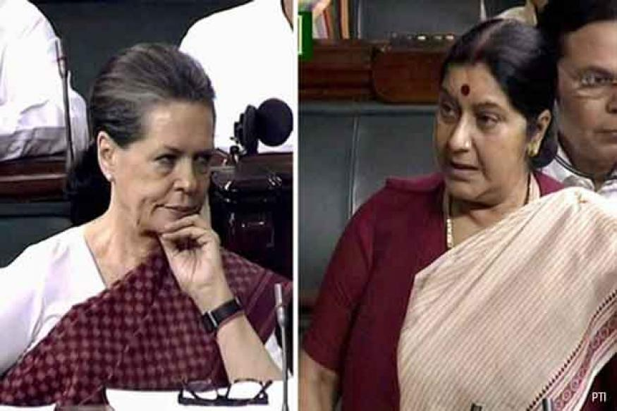 Sonia hugs Sushma, triggers rumours of backchannel talks