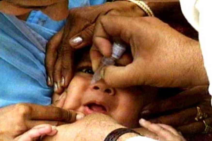 Pak: Gunmen kill woman polio worker, WHO suspends campaign