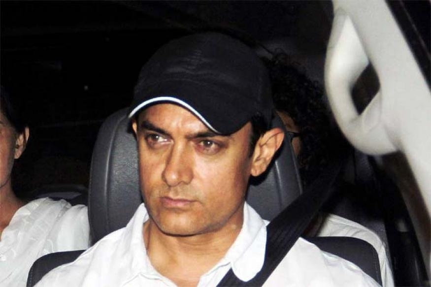 Snapshot: Aamir Khan and wife Kiran Rao visit Jiah Khan's family