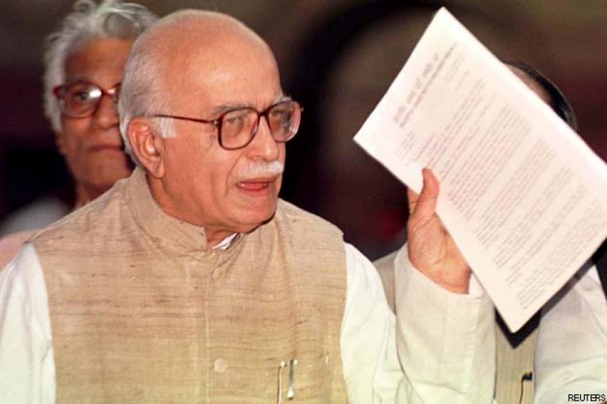 Rajnath refuses to accept LK Advani's resignation