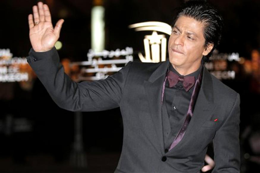 SRK beats Big B, gets voted as India's most popular father
