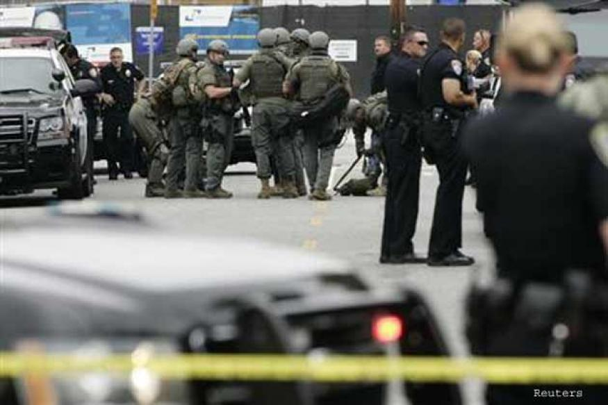 Gunman shot dead after 6 die in California shooting spree
