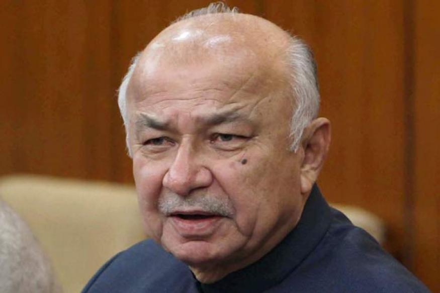 Shinde proposes Andhra model of policing at all-party meet on Naxals