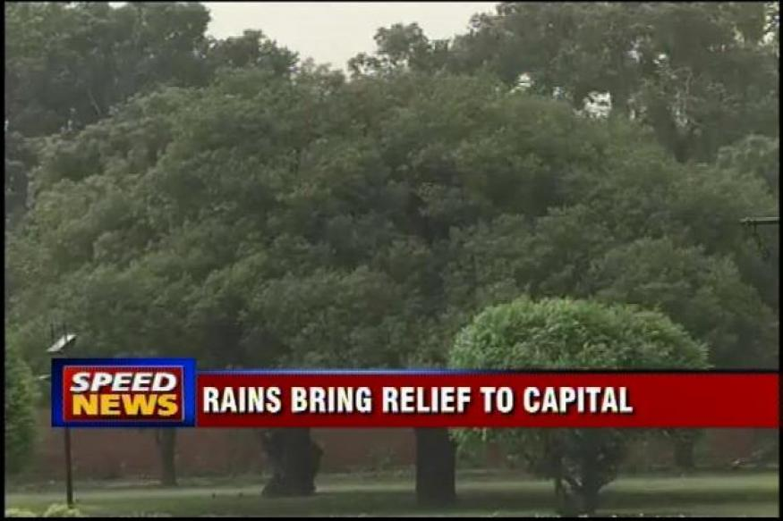 Rains lash Delhi, give respite from scorching heat