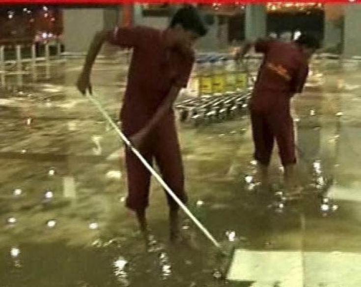 Snapshot: Heavy rains cause waterlogging at IGI airport