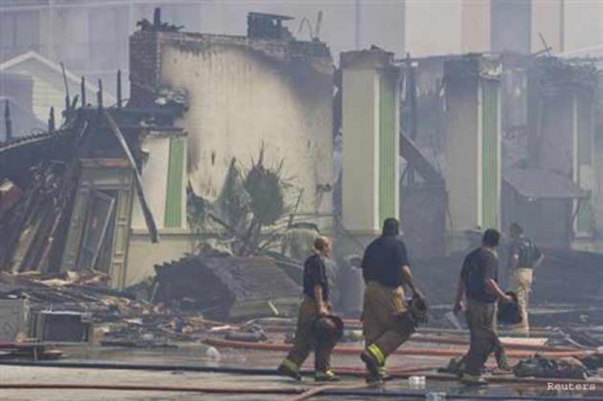Four firefighters die, five injured battling Houston blaze