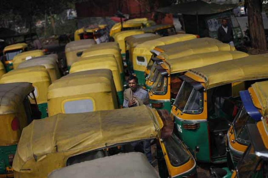 Delhi HC stays ban on advertisements on autorickshaws