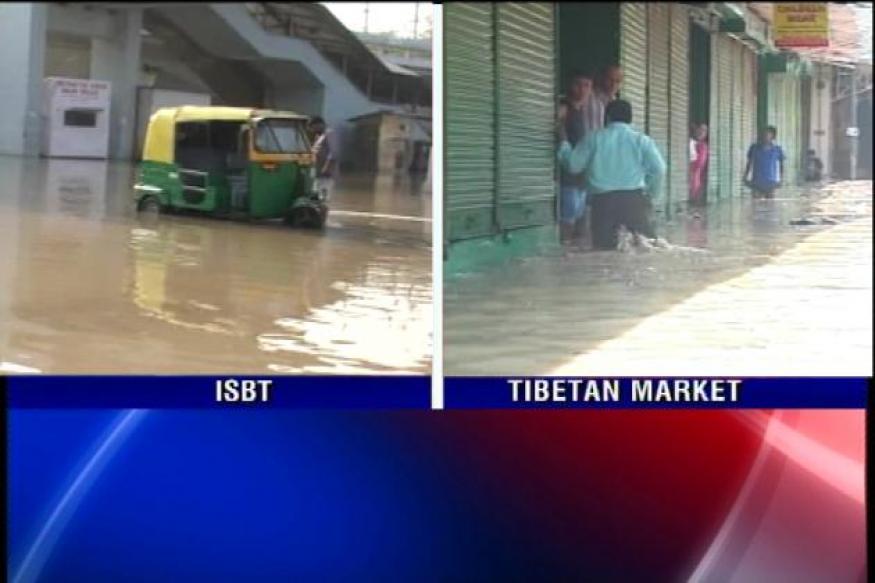 Kashmere Gate, ISBT flooded; Yamuna still flows above danger mark