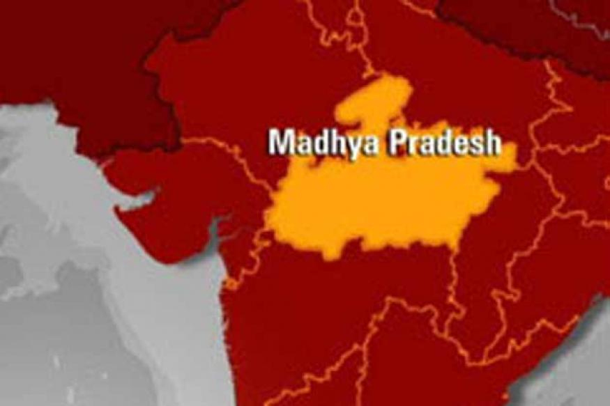 Madhya Pradesh: Woman beats up BJP leader with slipper