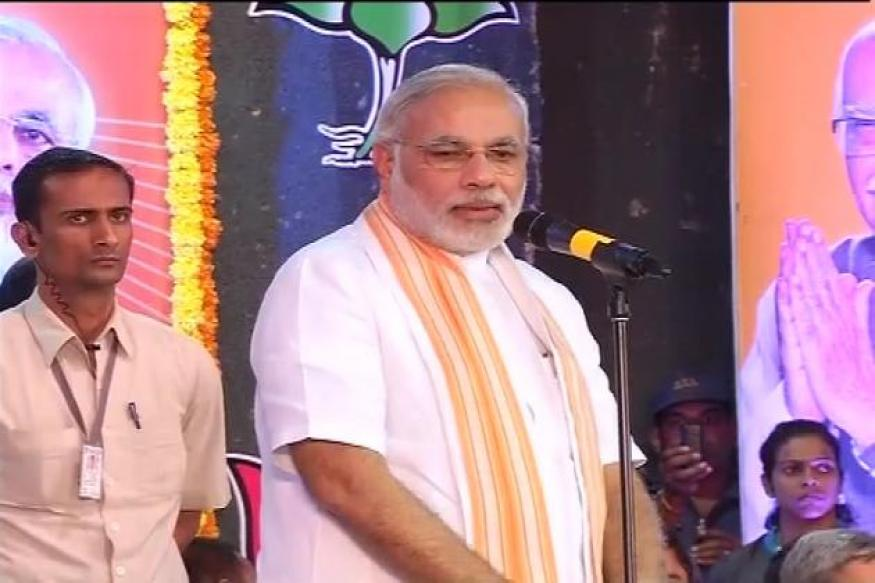 Modi calls for 'Congress-free Bharat Nirman'