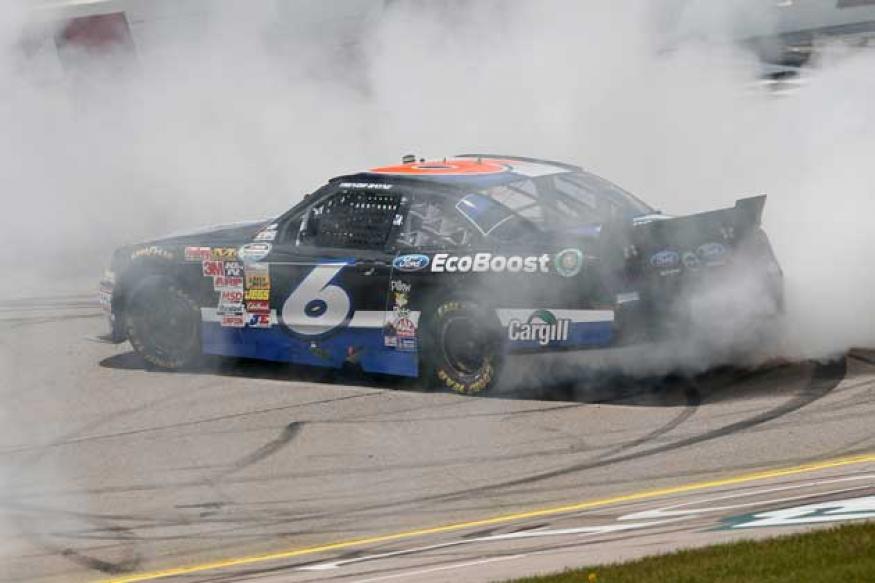 NASCAR driver Jason Leffler killed in New Jersey crash