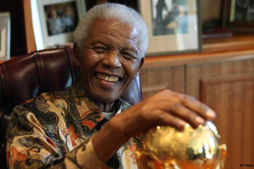 Nelson Mandela on life support system, SA remains on the edge