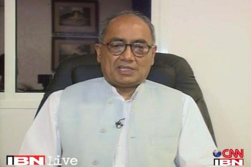 Digvijaya says his heart goes out to Advani, calls BJP ungrateful