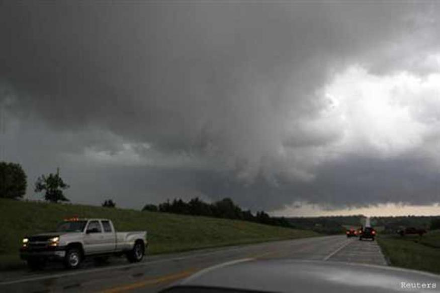 Tornado touches down west of Oklahoma City: Report