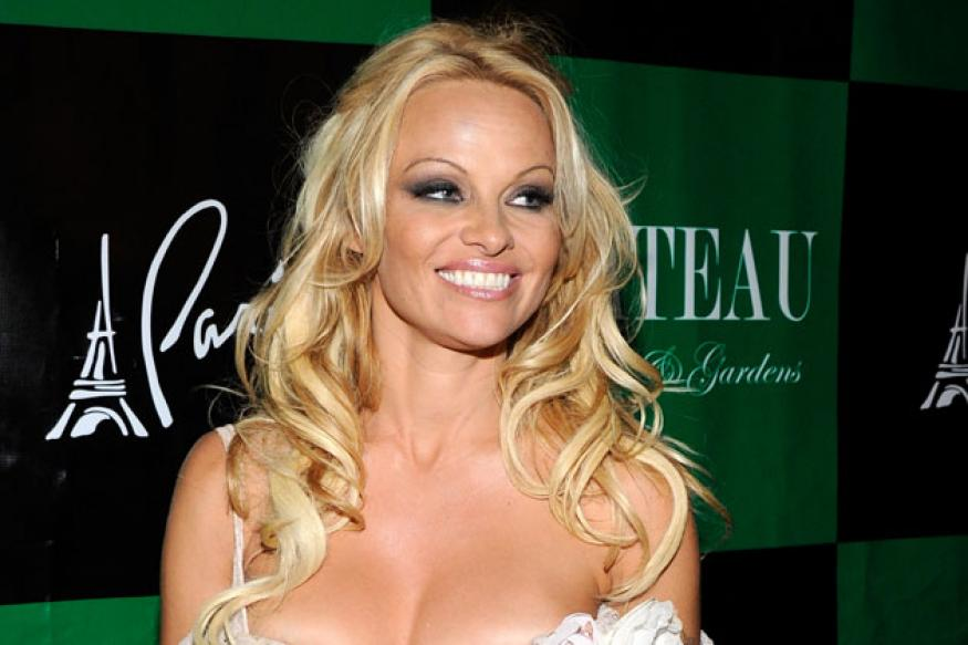 Pamela Anderson's 'sexist' TV ad banned