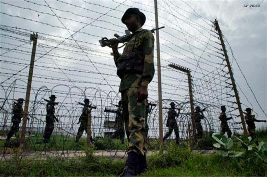 Pakistani troops fire on Indian posts across LoC