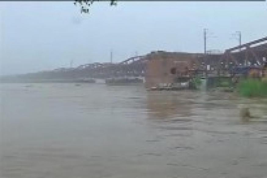 Swollen Yamuna claims one life, 5,000 evacuated