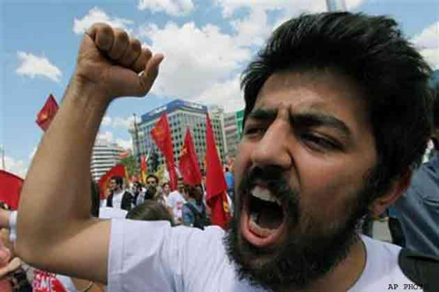 Turkish government open to referendum to end protests