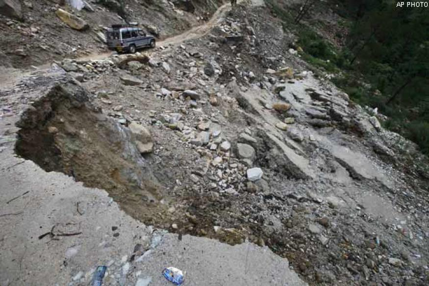 Uttarakhand: Repair roads as early as possible, Antony tells BRO