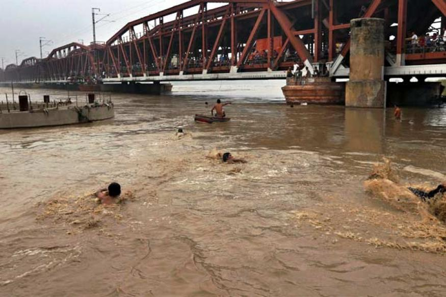 Yamuna's water level recedes, 10,000 people moved to relief camps