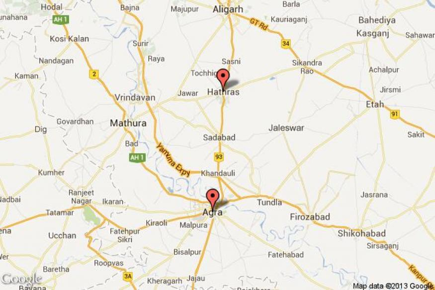 1 killed, 2 injured as car rams into a stationary truck on Agra-Hathras road