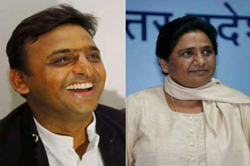 Akhilesh, Mayawati lock horns over free laptop distribution to students