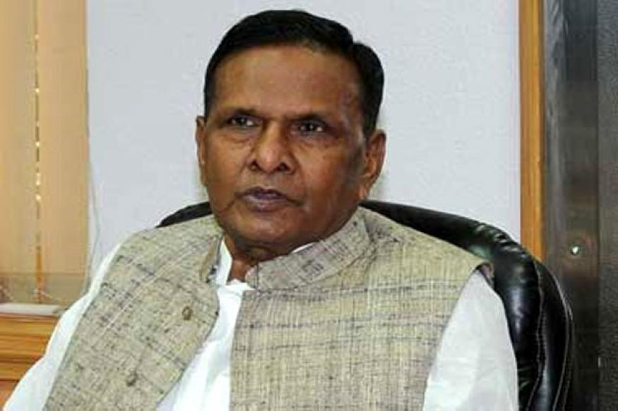 Mulayam not even fit to sweep PM's residence, says Beni Prasad Verma