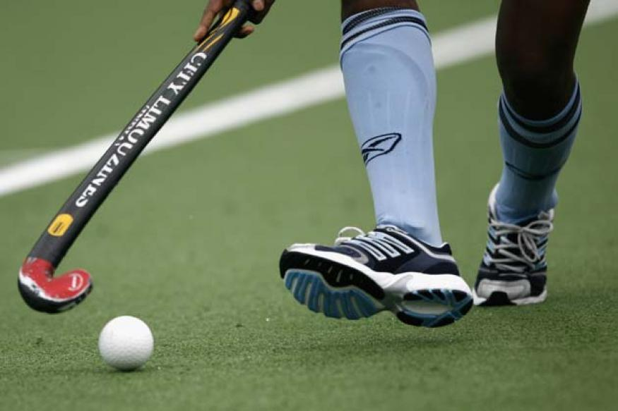 India blank Russia 10-1, qualify for quarter-finals