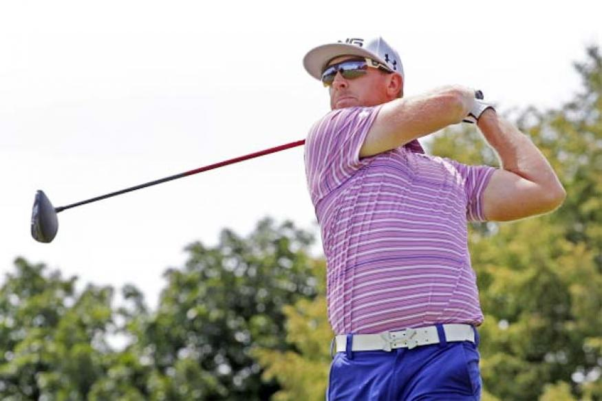 Hunter Mahan leads Canadian Open