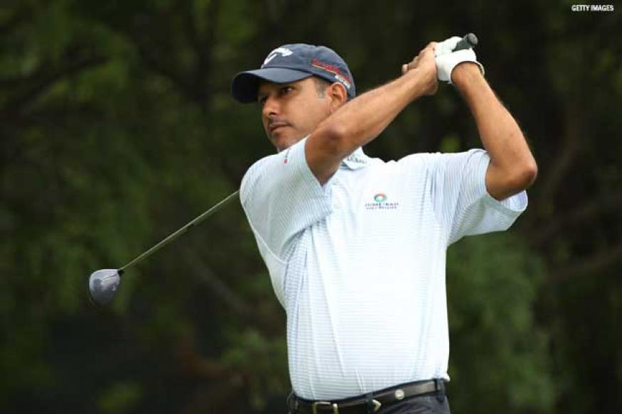 Solid start by Jeev Milkha Singh as he cards 67 in first round