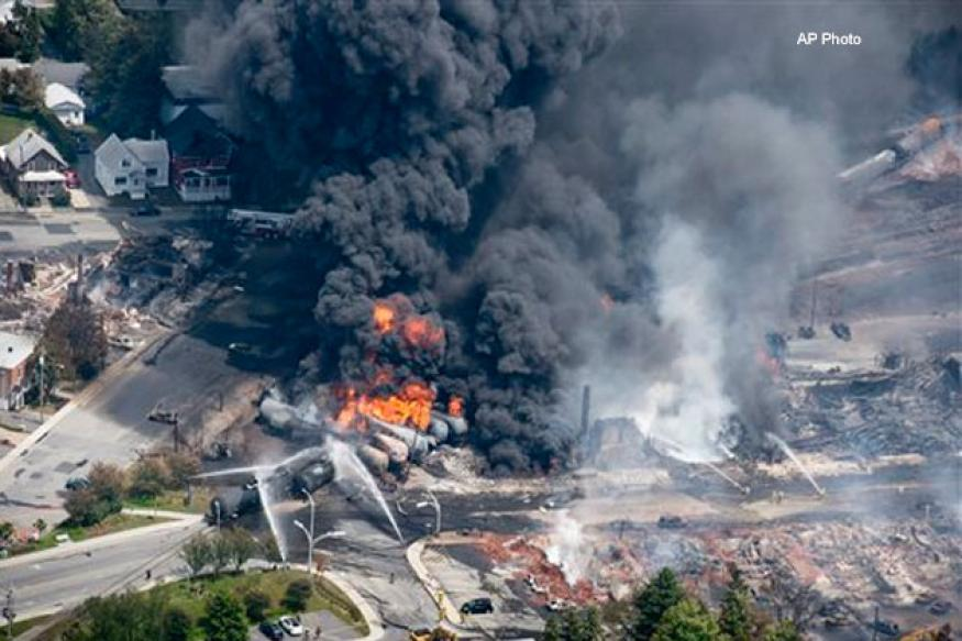 One dead as train carrying light crude oil explodes in Canada