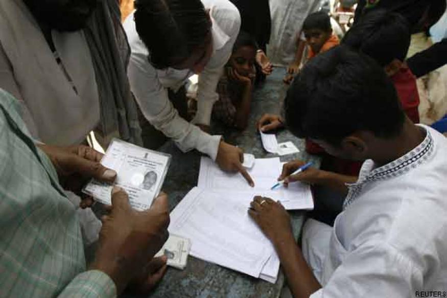 WB: Six injured in CPM-TMC clashes during panchayat polls