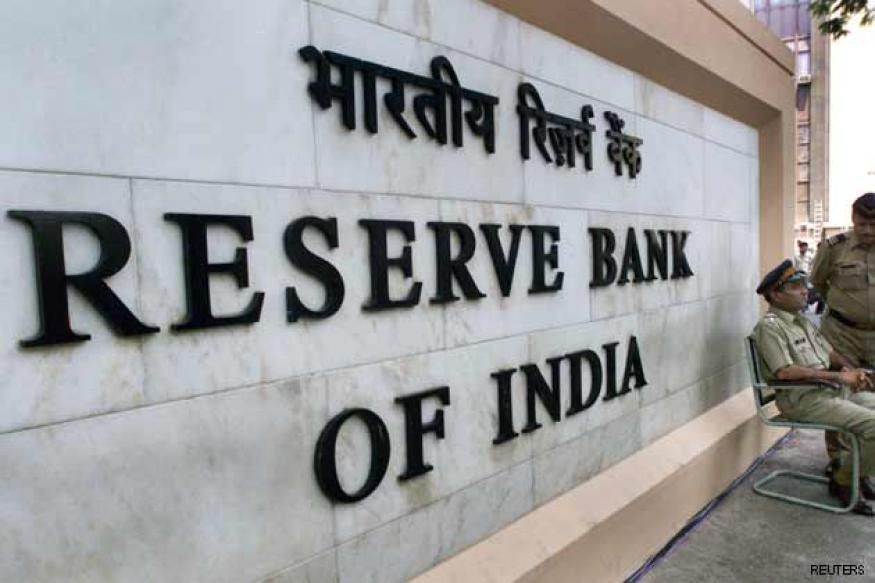 RBI imposes restrictions on banks for currency F&O trading