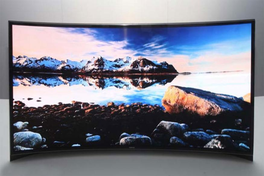LG, Samsung start selling curved TVs in the US