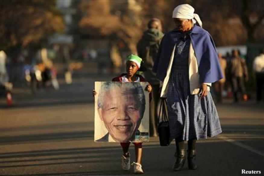 Mandela not in a vegetative state: South African government