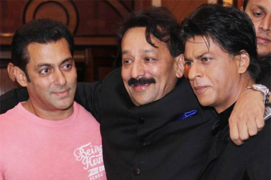 Shah Rukh and Salman hug at an Iftar party; end of the cold war?