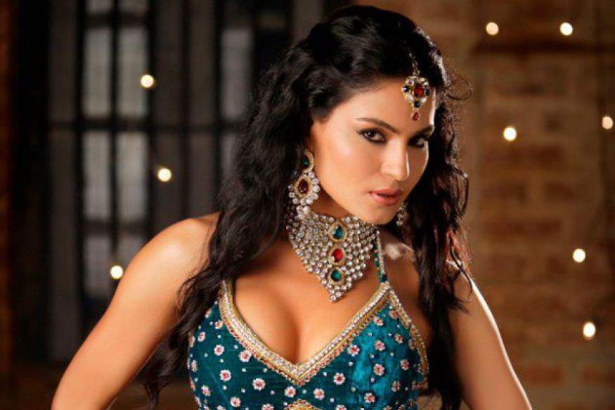 After 'Supermodel', no bikinis for Veena Malik