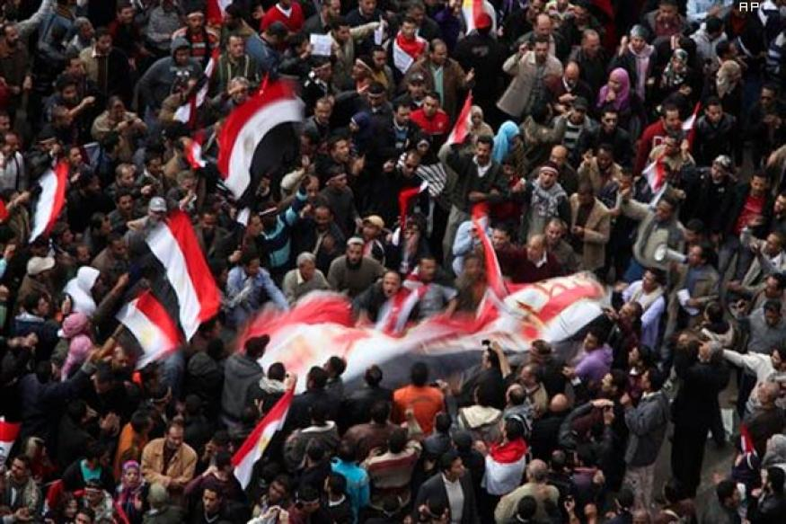Brotherhood calls for protest, death toll crosses 800 in Egypt