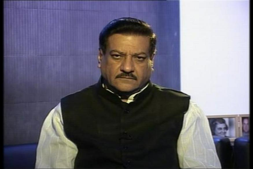 Falling Rupee: Prithviraj Chavan seeks stimulus for industries to save jobs