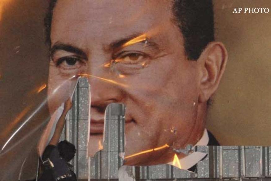 Muslim Brotherhood leaders, Hosni Mubarak face trial in Egypt