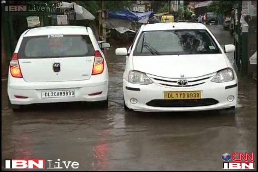 Heavy downpour in Delhi hits traffic, Met predicts rains till Saturday