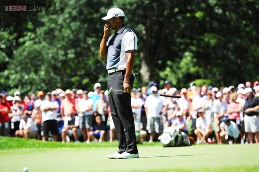 Woods hopes to regain hot hand as Barclays resumes